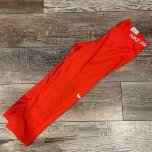 Nike Pro Crop Pants